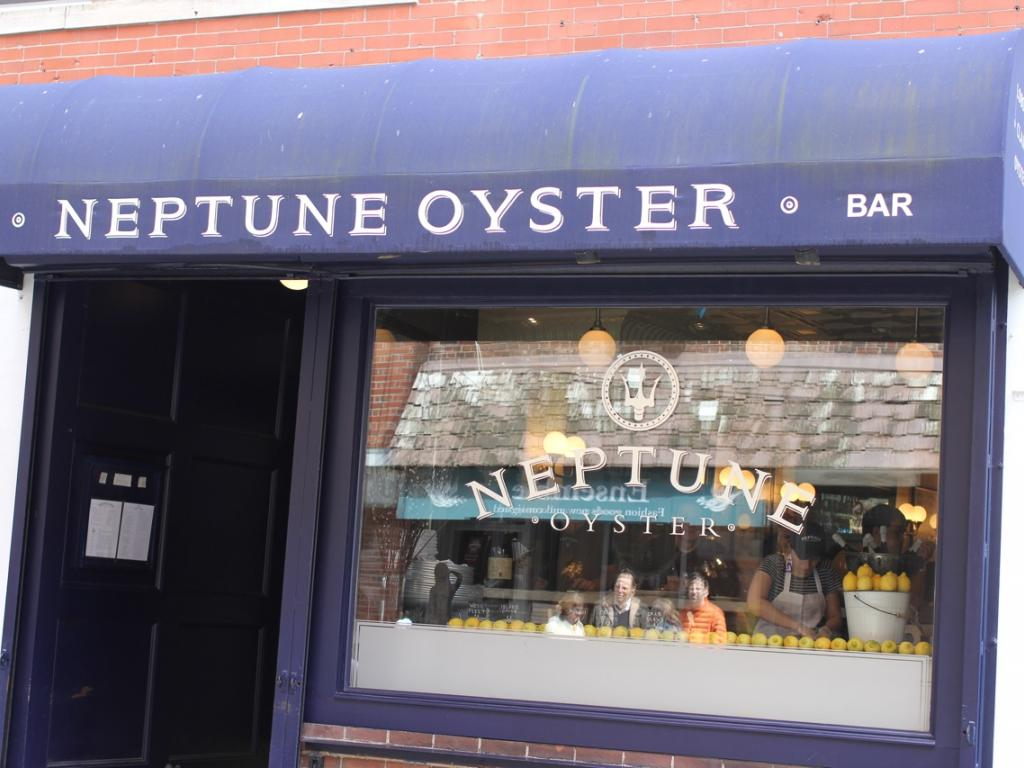neptune oyster fish and seafood american restaurant 39 neptune oyster 39 review. Black Bedroom Furniture Sets. Home Design Ideas